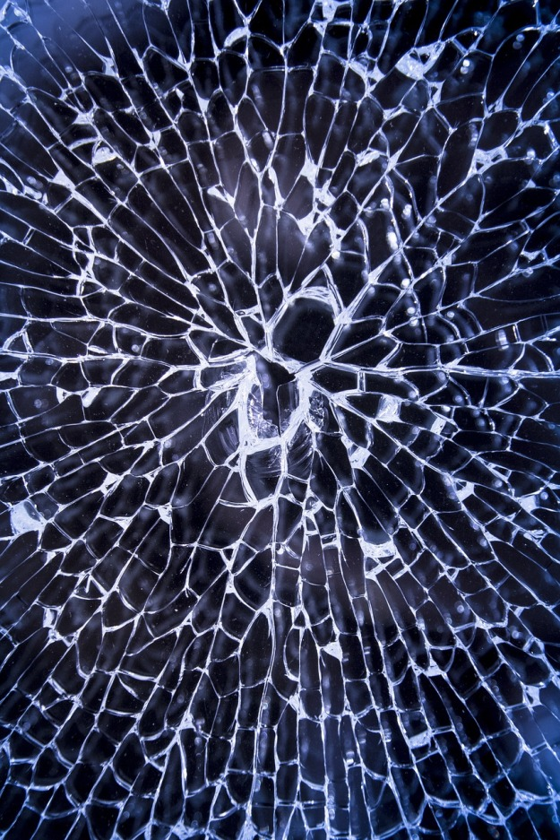 broken-glass-2208593_1280